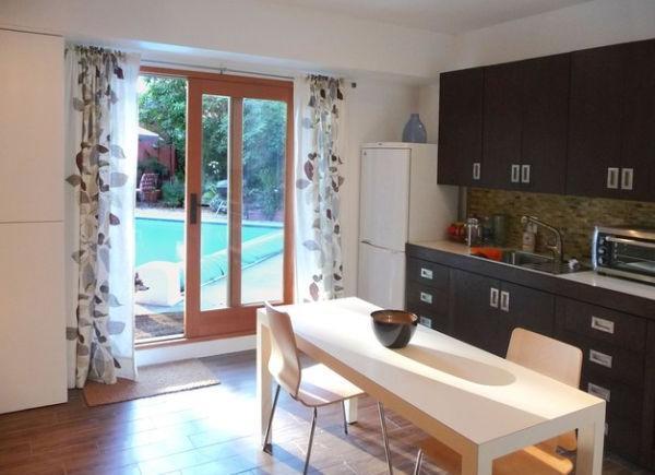 Дизайн штор для кухни фото с балконной дверью