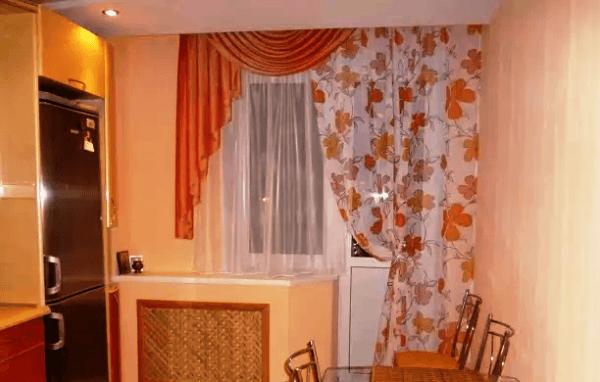 Шторы на кухню фото 2021 современные с балконной дверью