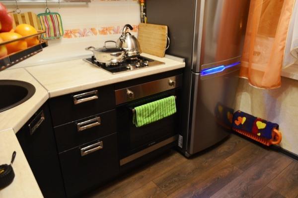 Дизайн кухни 6 кв.м фото в хрущевке с холодильником фото
