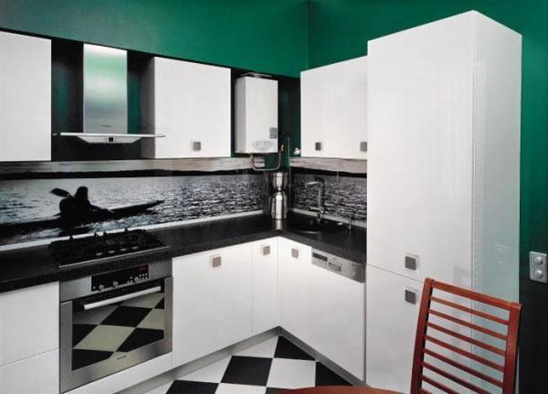 дизайн кухни 6 кв.м фото в хрущевке с холодильником и газовой колонкой