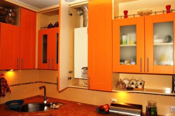 Кухня в хрущевке с газовой колонкой дизайн фото