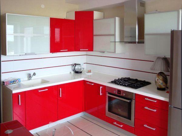 дизайн кухни в хрущевке с холодильником и газовой колонкой фото 6