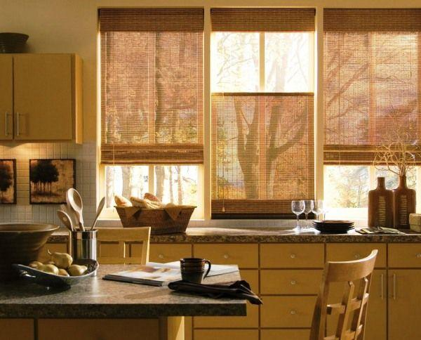 Выбираем современные шторы на кухню: идеи и фото 2019 оформленных окон в маленькой кухне - Отделка