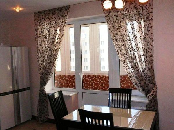 шторы на кухню фото 2020 современные в маленькую кухню фото