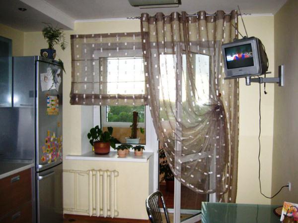 шторы на маленькую кухню фото 2019 современные