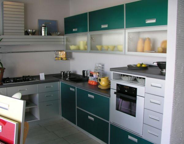 Интерьер угловой кухни 9 кв. м фото