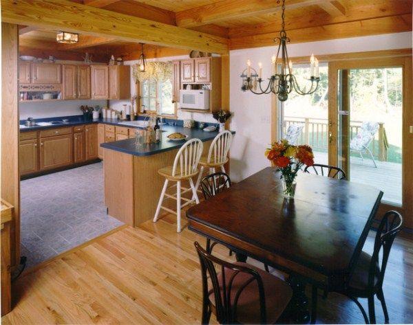 Кухня со столовой в частном доме фото