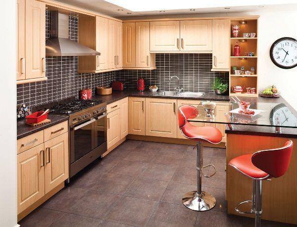 Дизайн угловой кухни с барной стойкой фото