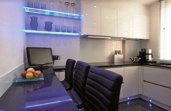кухня в стиле хай тек фото в интерьере