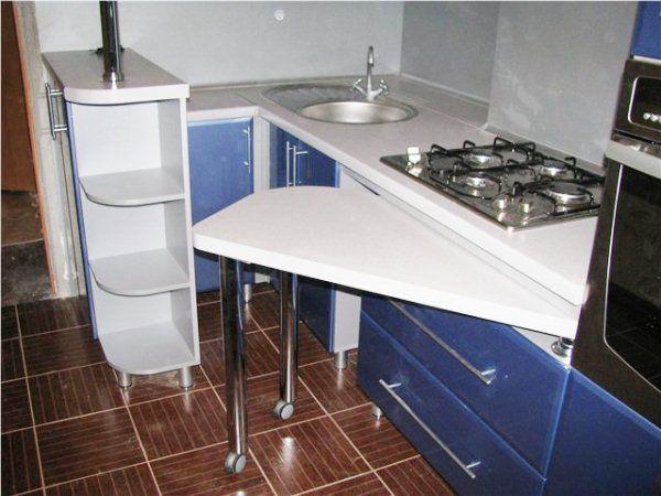 Маленькая угловая кухня с барной стойкой фото