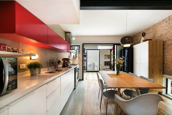 Линейная однорядная кухня фото